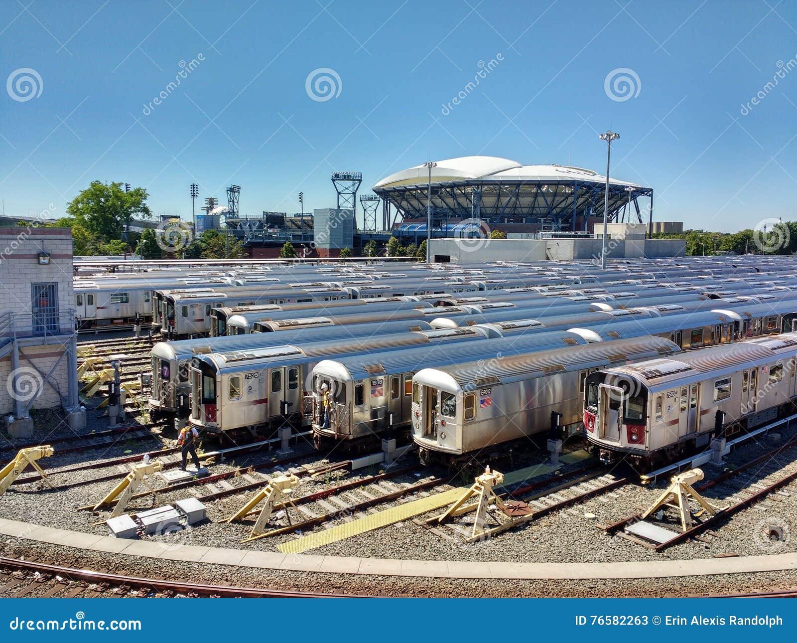 Arthur Ashe Tennis Stadium von Corona Rail Yard, New York, USA