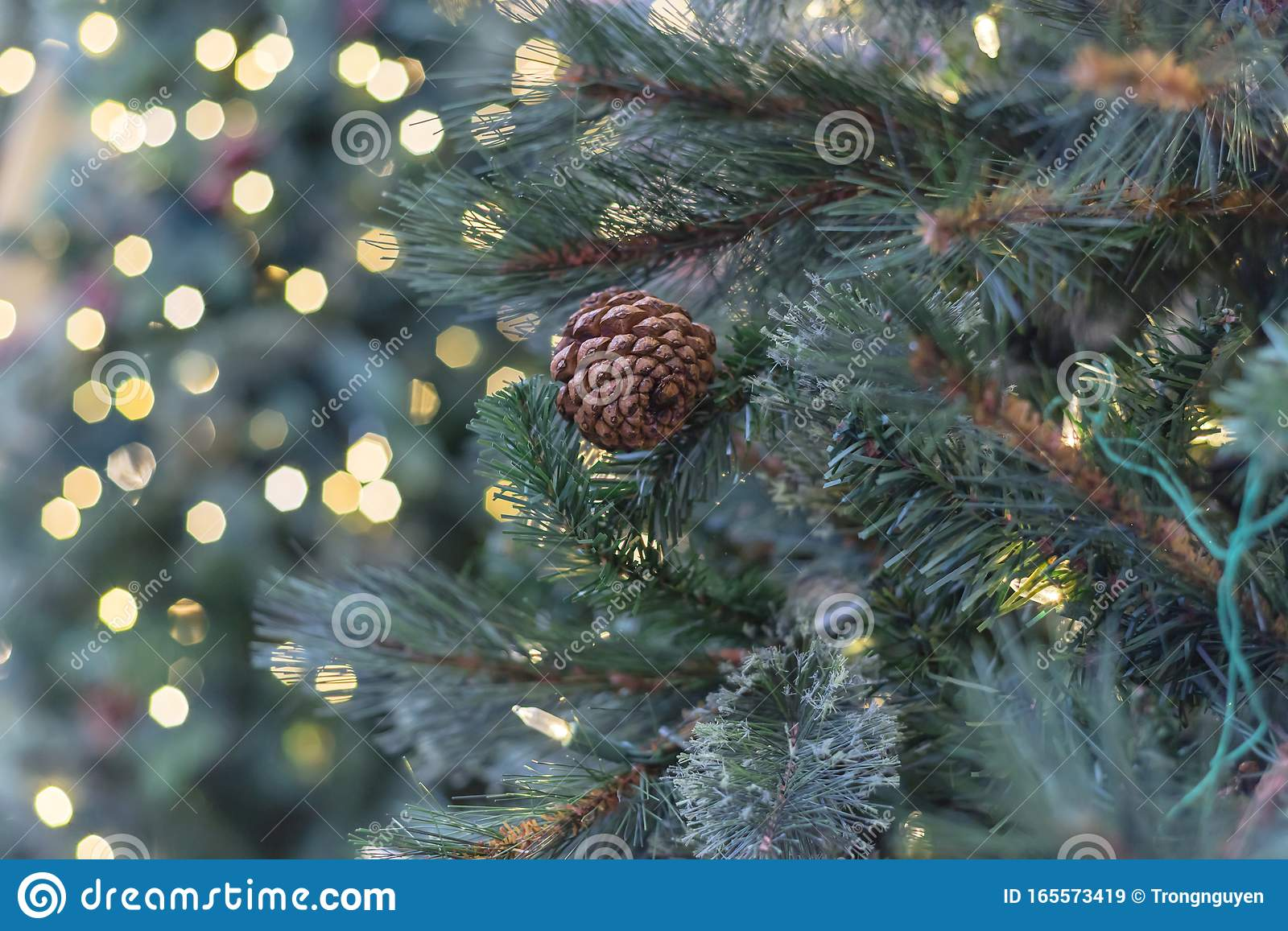 Artificial Christmas Tree With Pine Cones And Microdot Pre