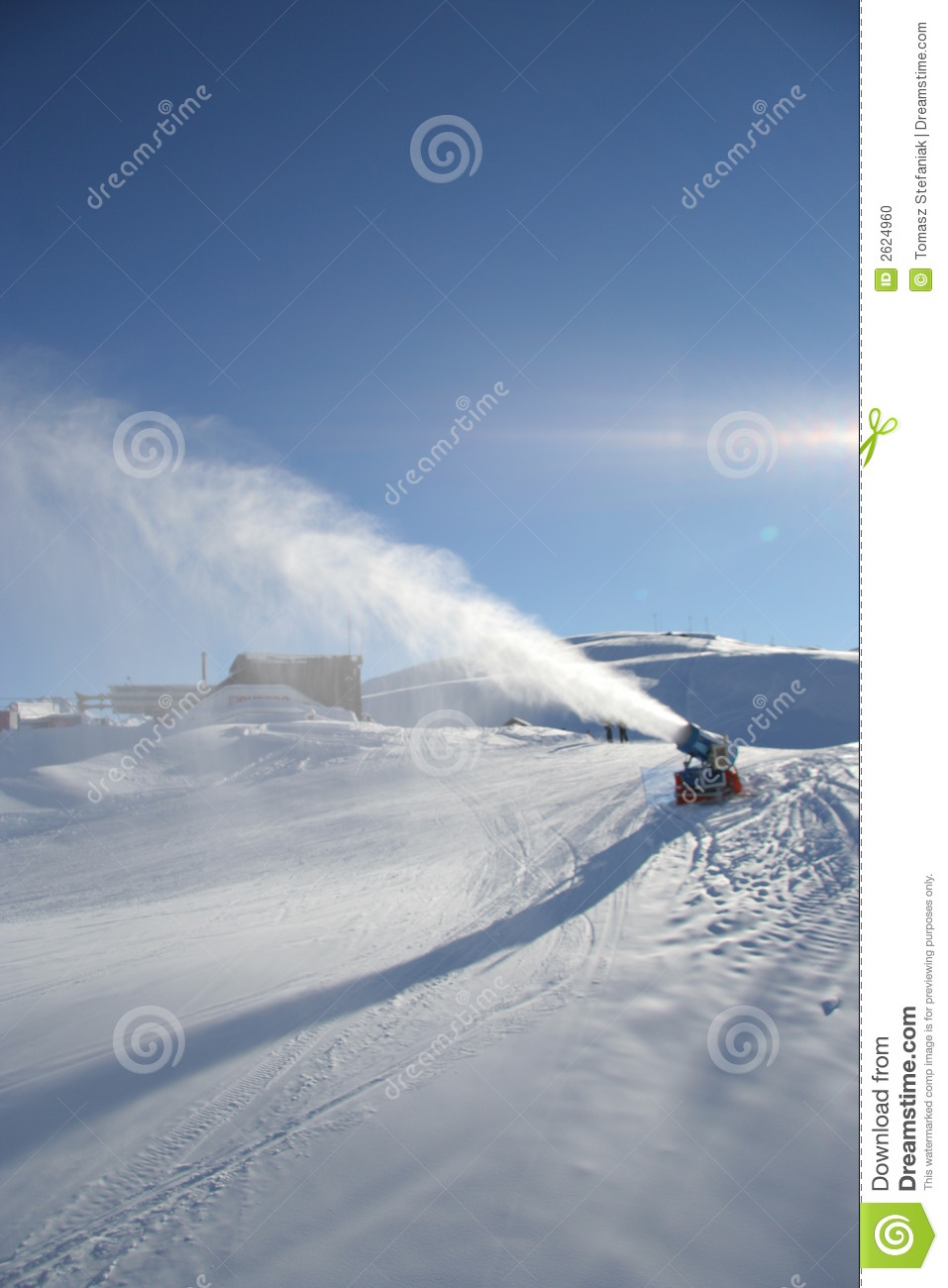 artificial snow machine
