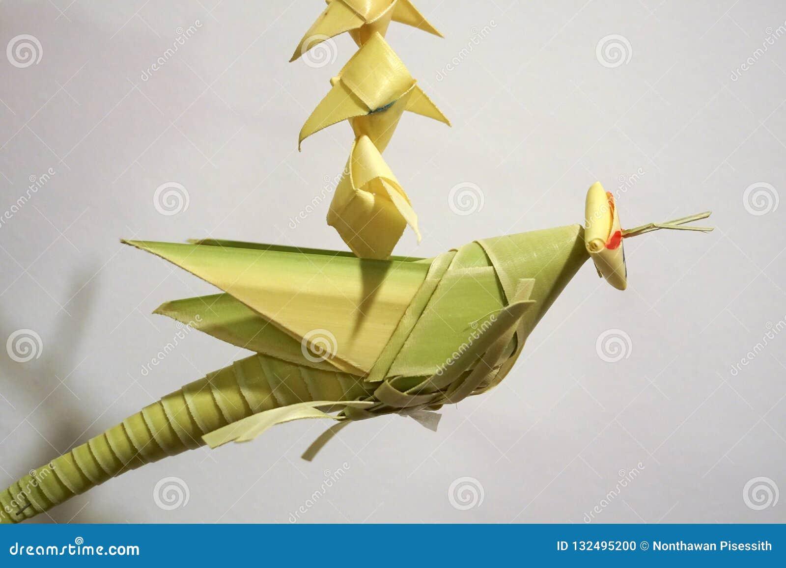 Artigianato mobile della cavalletta di foglia di palma tailandese di stile