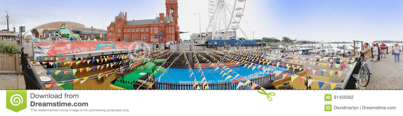 ARTIKEL MED ENSAMRÄTT - Panorama av Cardiff skeppsdockor