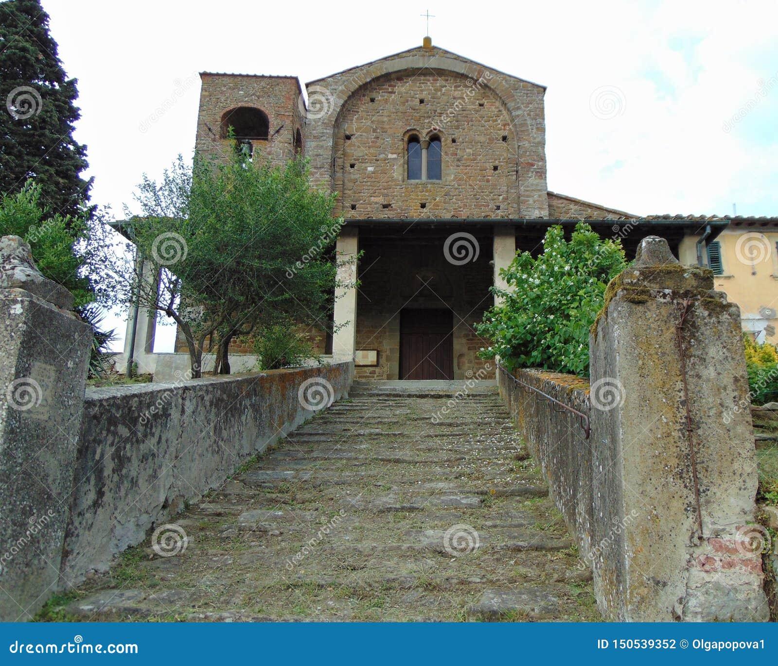 Artimino, Toscani?, Itali? Parochiekerk van Santa Maria en San-Leonardo in Artimino, Pieve Di San Leonardo, de voorgevel van de b