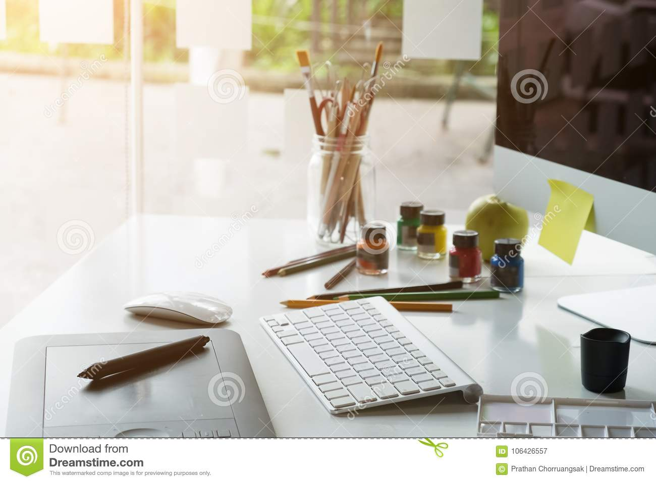 29 908 Artist Desk Photos Free Royalty Free Stock Photos From Dreamstime