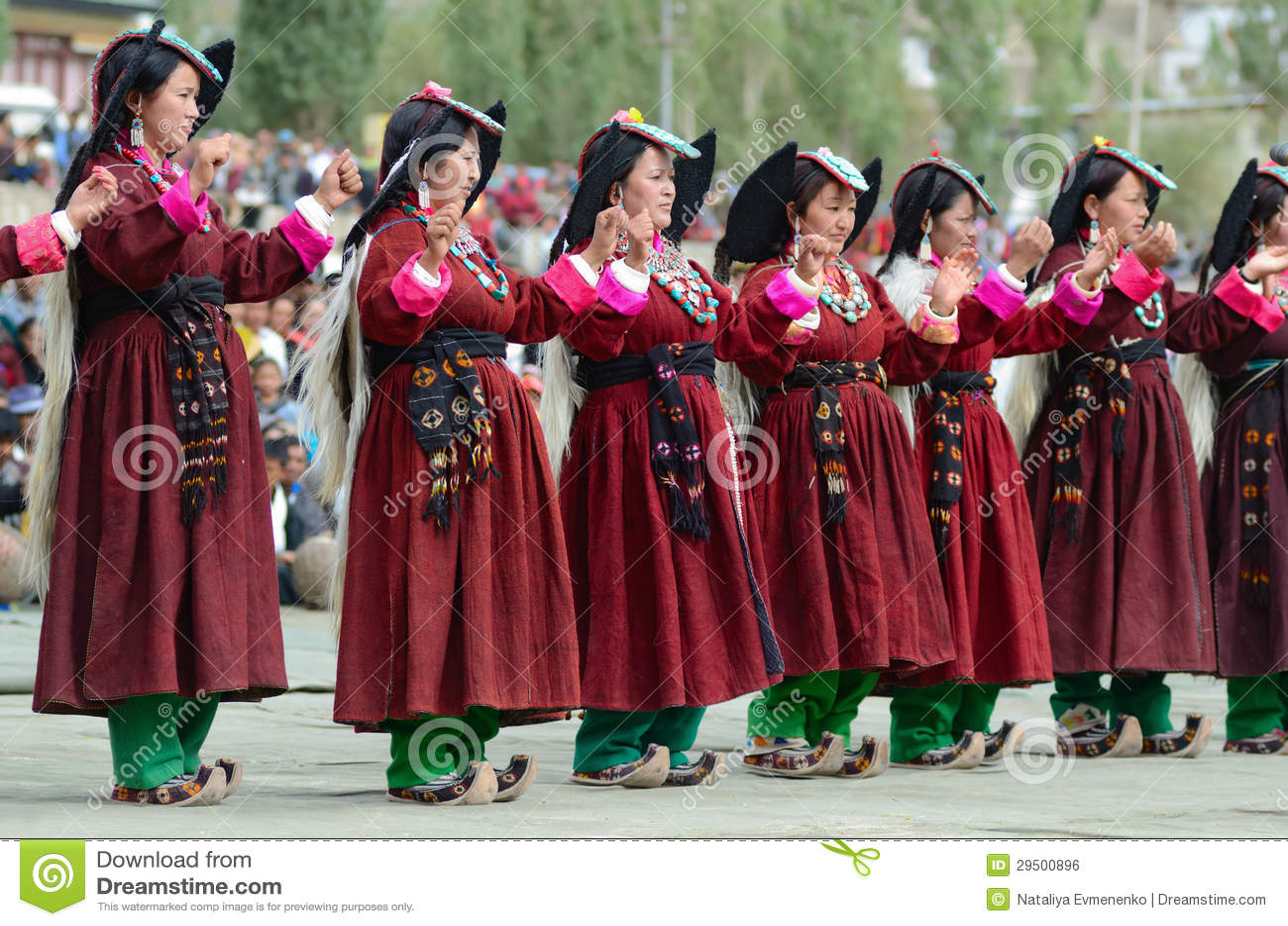 Artistes sur le festival de l héritage de Ladakh