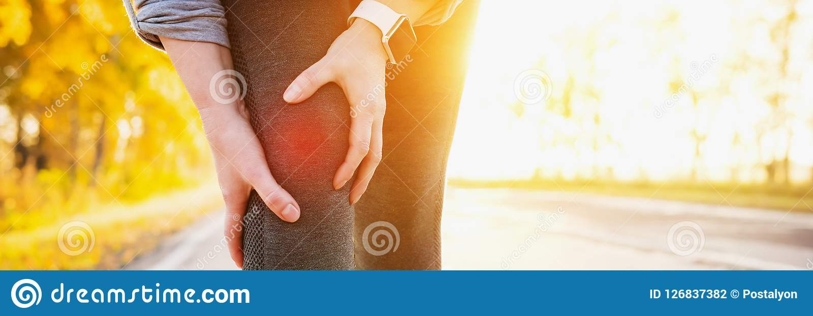 Artritisatleet Verwondingen - sporten die de vrouw van de knieverwonding in werking stellen