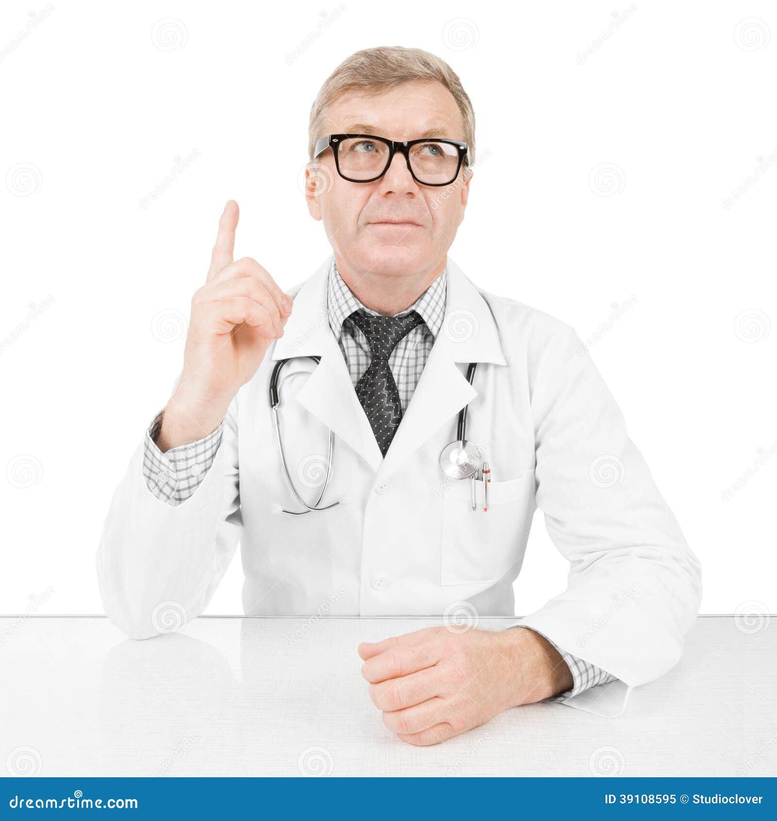 Arts bij zijn werkend bureau - 1 tot 1 verhouding beeld