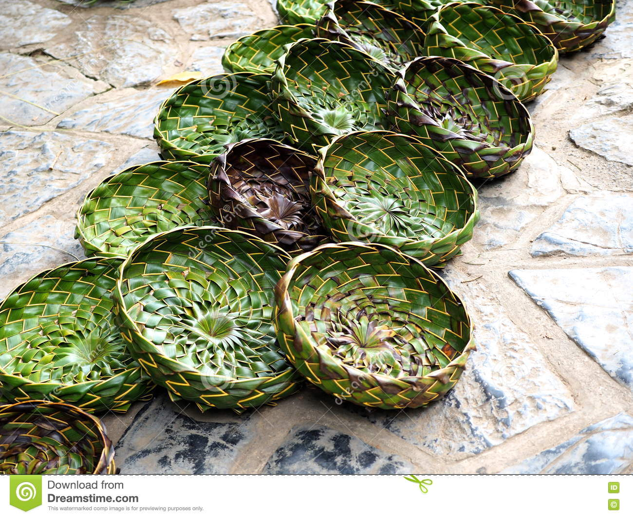 Arts and crafts in cuba stock photo image 72355506 for Jamaican arts and crafts for sale