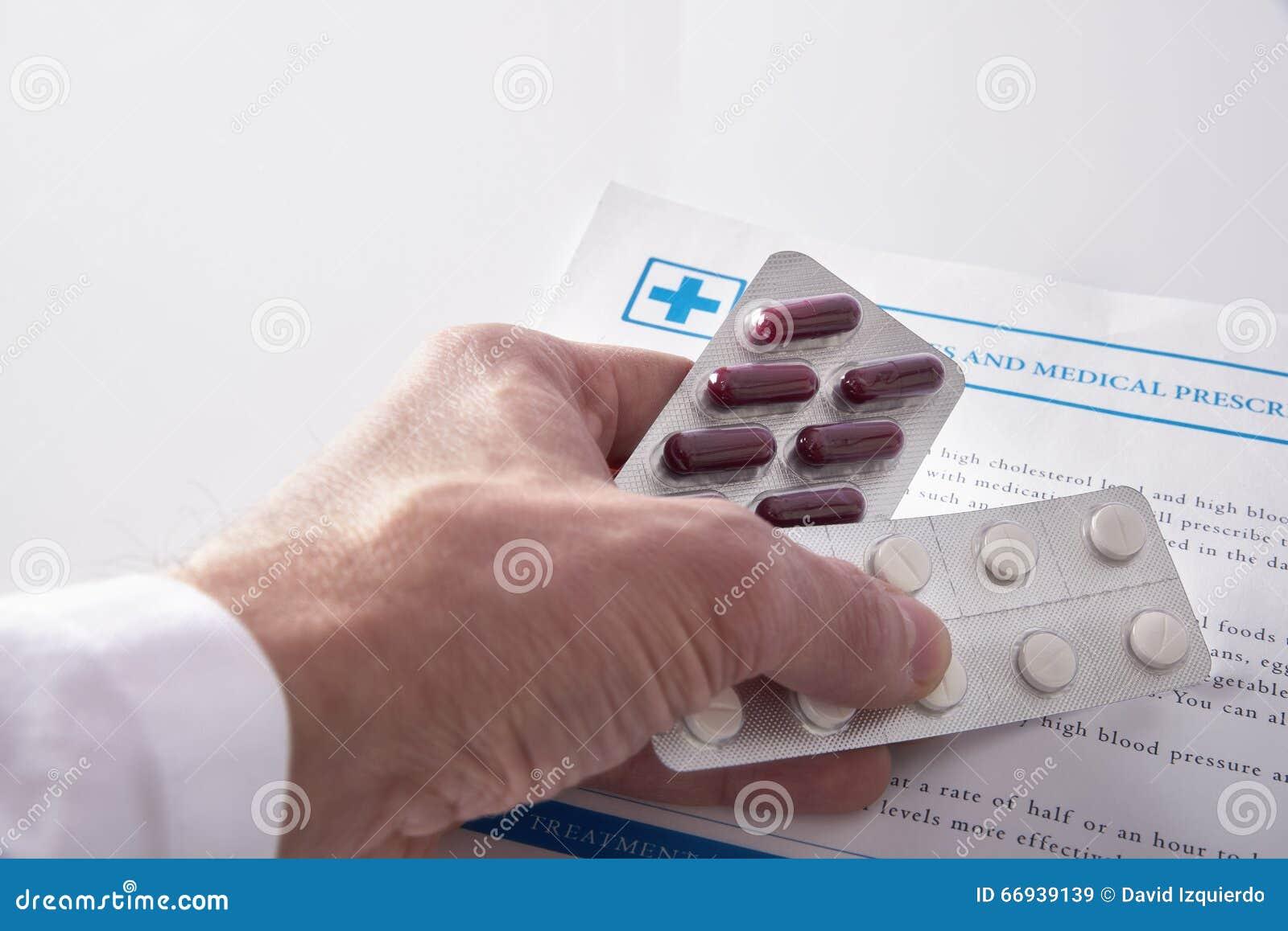 Arts die drugs opgeheven mening voorschrijven