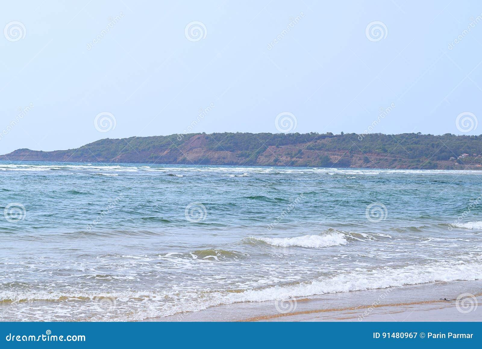 Artykuły plaża - Spokojna i Nieskazitelna plaża w Ganpatipule, Ratnagiri, maharashtra, India
