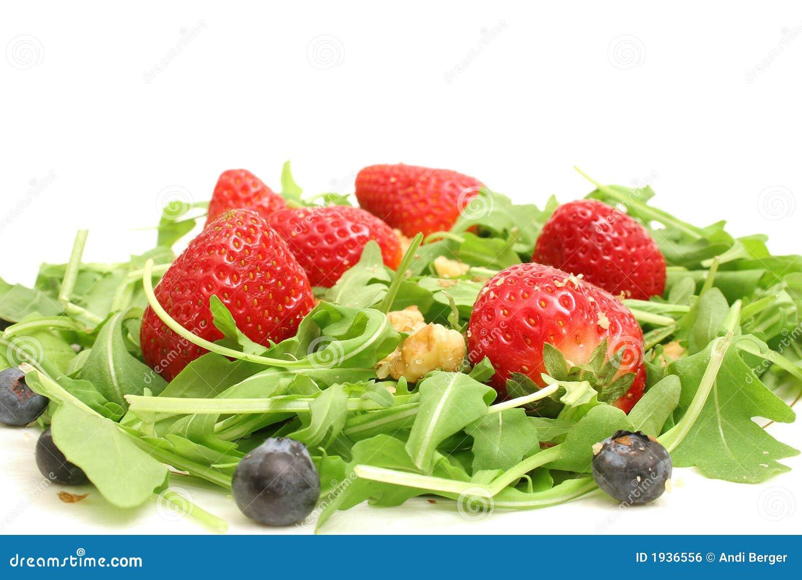 Arugula salad w/berries & nuts