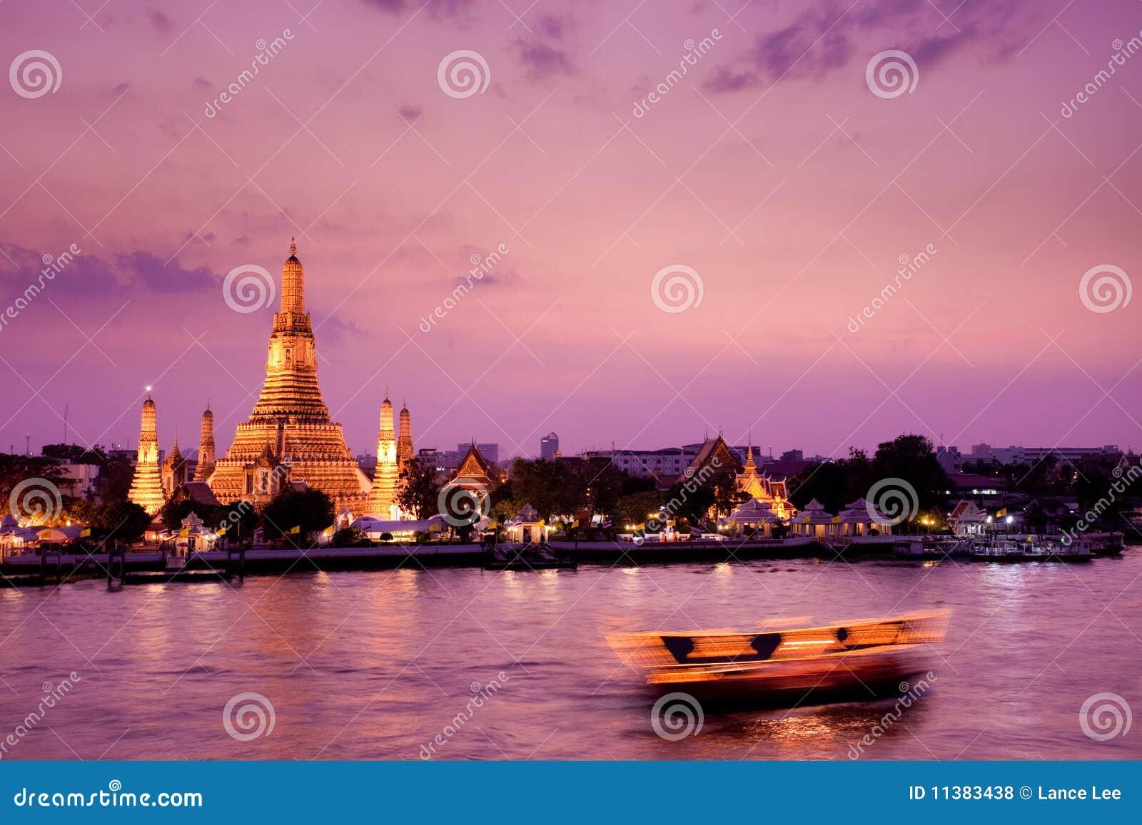 Arun Bangkok chao phraya rzeczny Thailand wat
