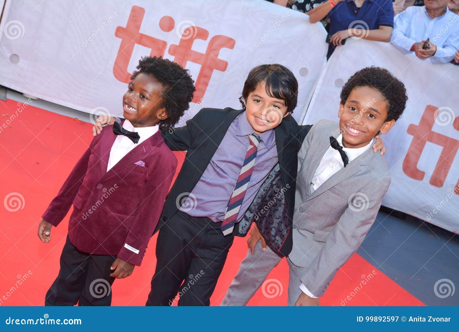 As crianças moldaram na premier do ` dos reis do ` no festival de cinema internacional de Toronto em Toronto TIFF17