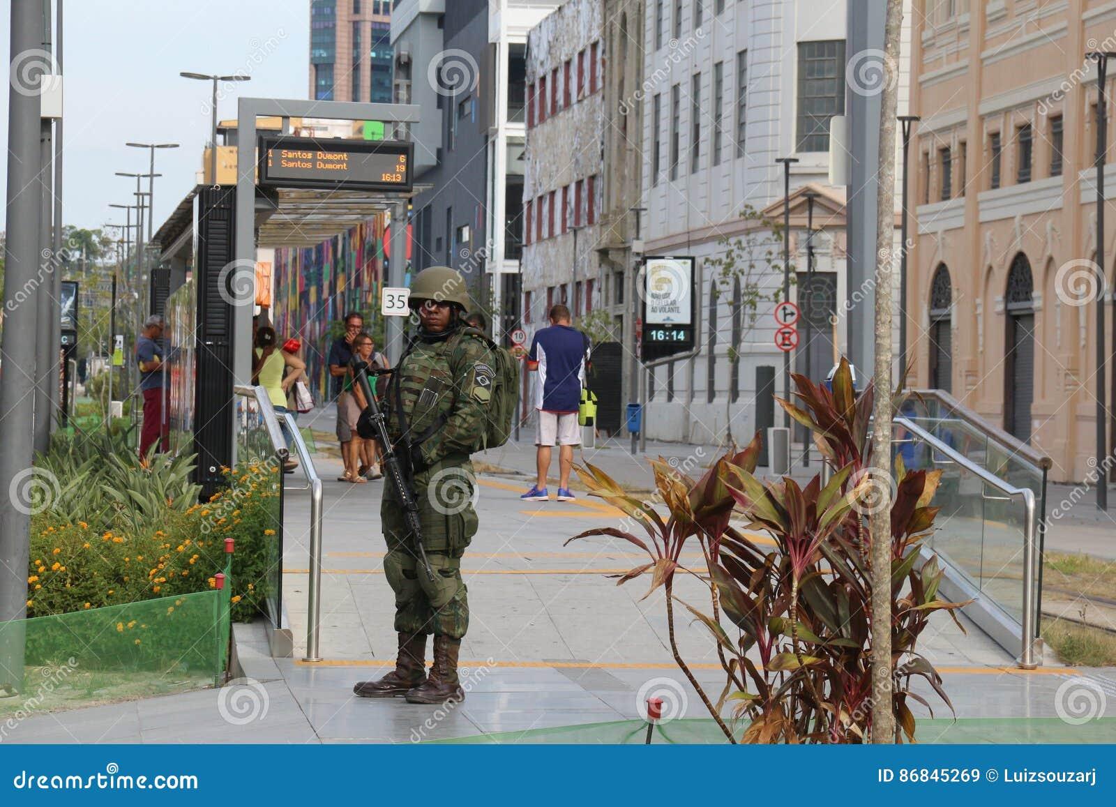 As forças armadas não reforçarão a segurança de Rio de janeiro Carnival