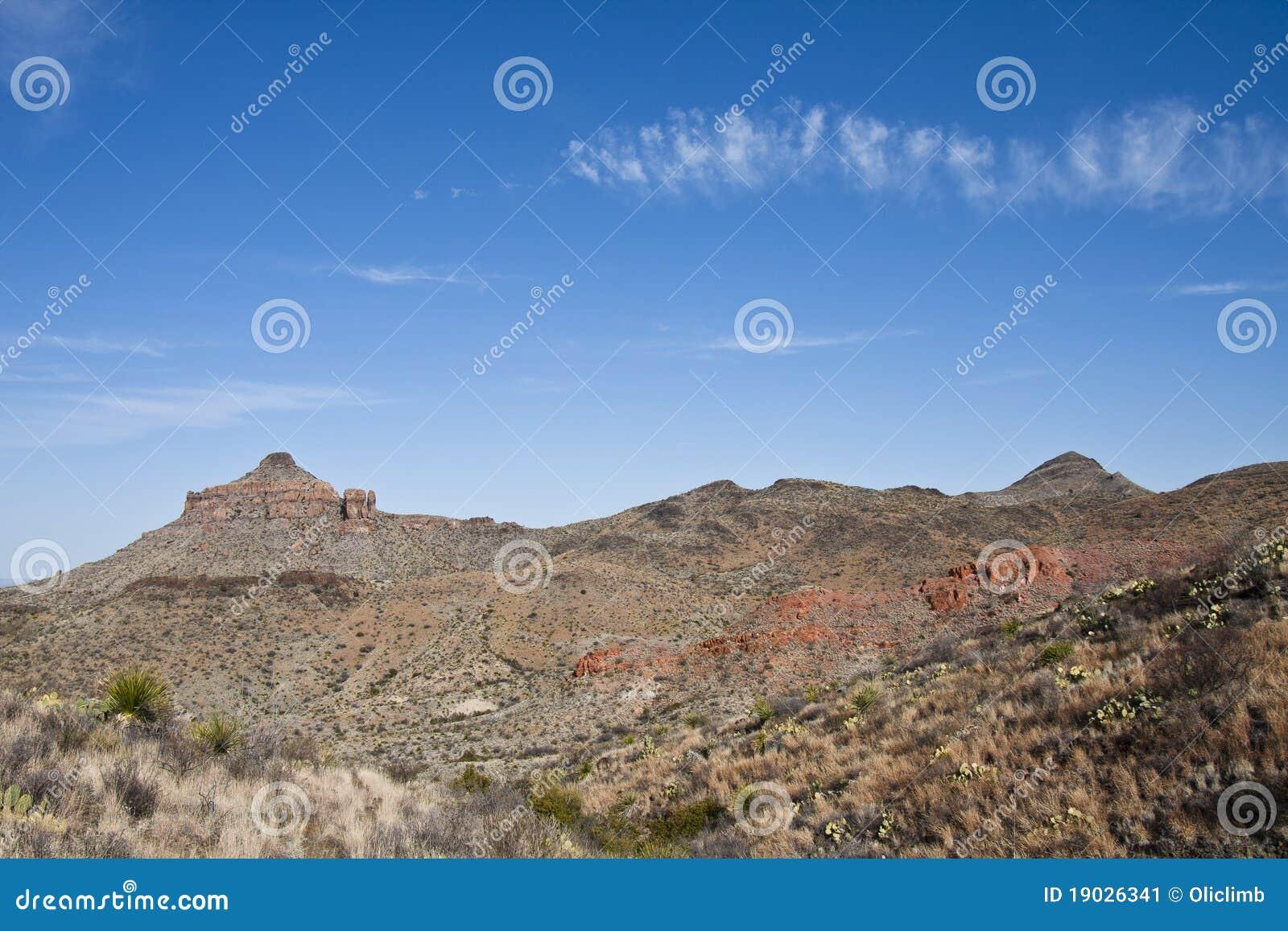 As montanhas de Chisos na curvatura grande