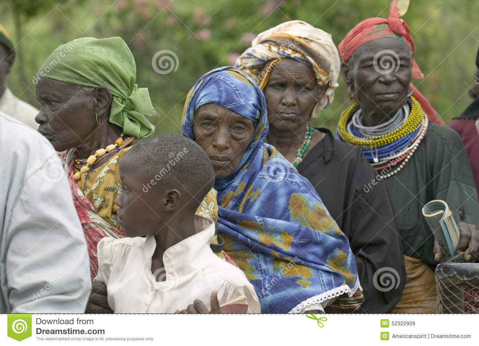 As mulheres do Kenyan estão na linha para obter o controle de saúde para HIV/AIDS em Pepo La Tumaini Jangwani, reabilitação P da