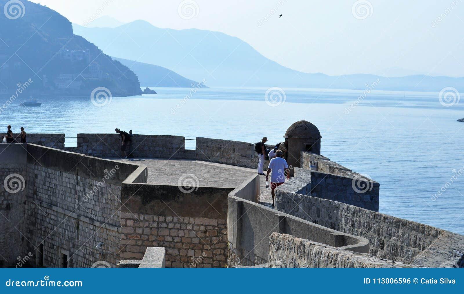 As paredes e o mar