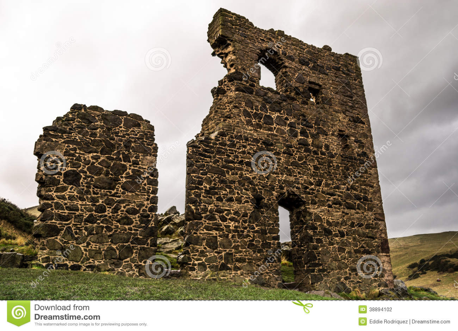 As ruínas velhas.