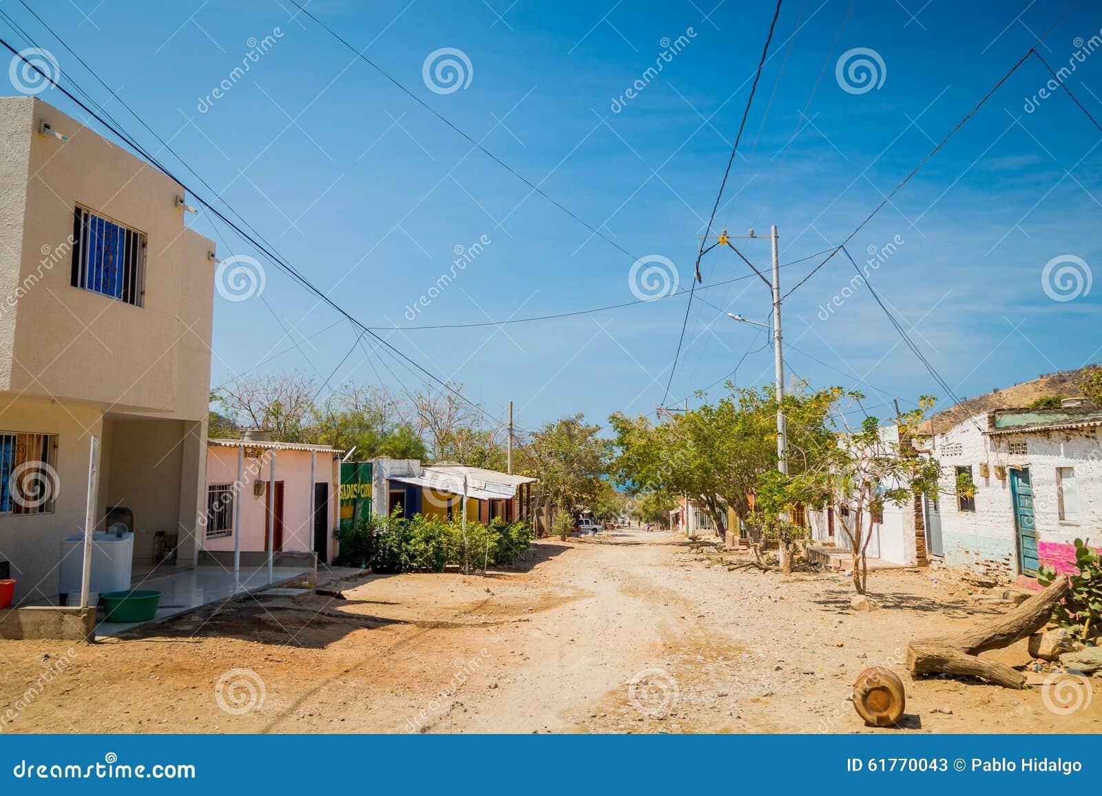 As ruas na cidade de Tanganga encalham, Santa Marta