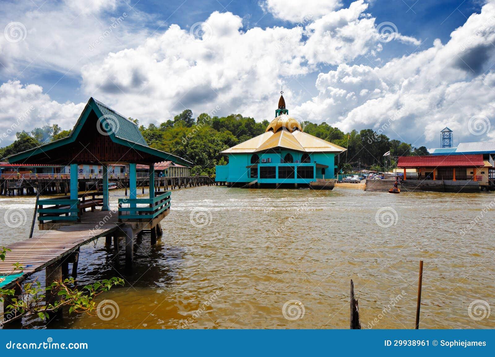 Vila famosa da água de Brunei