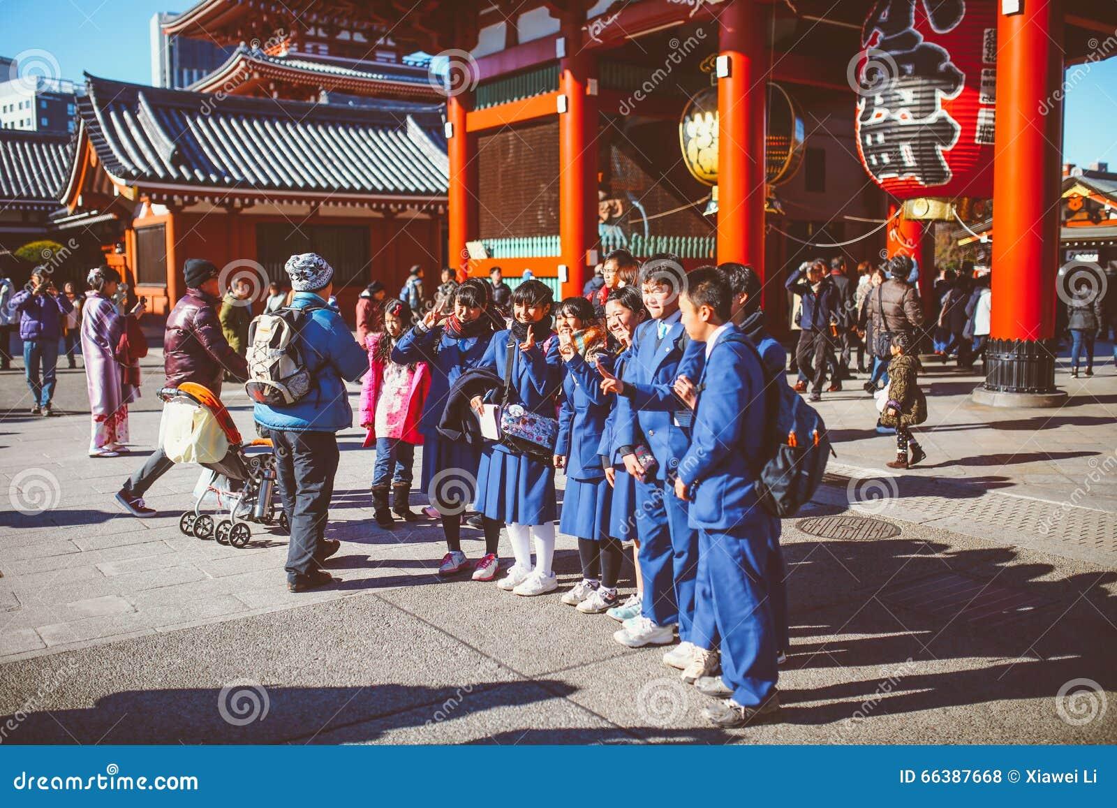 Asakusa Kannon świątyni ucznie