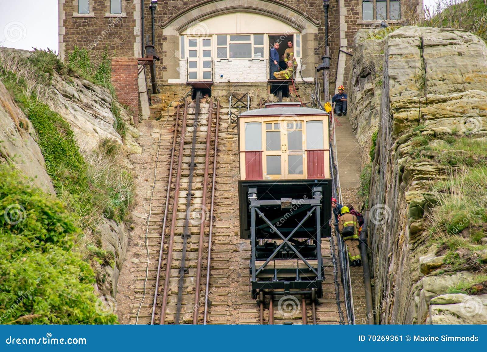 Ascenseur funiculaire chez Hastings, le Sussex est
