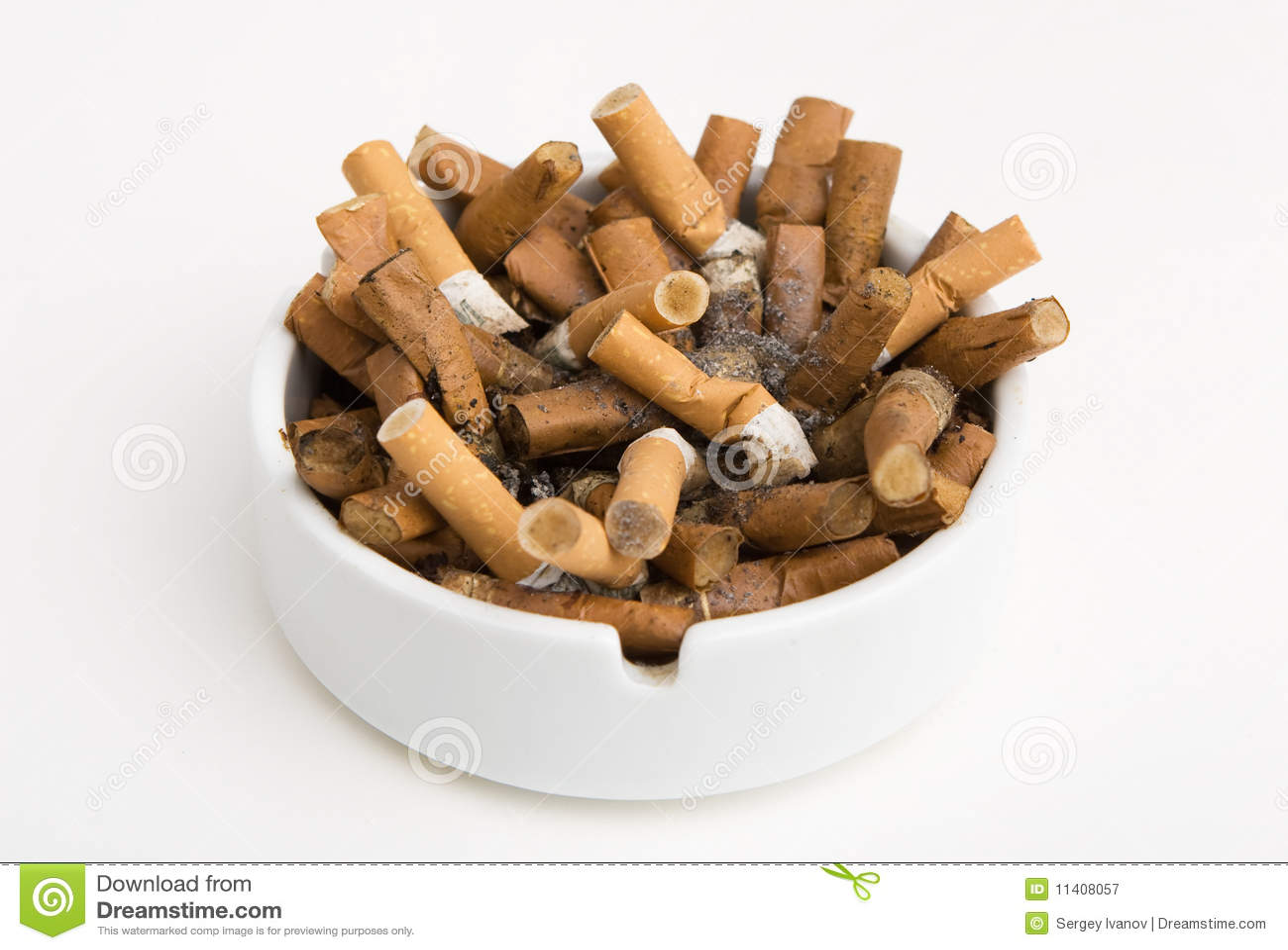 aschenbecher voll zigaretten stockbild bild 11408057. Black Bedroom Furniture Sets. Home Design Ideas