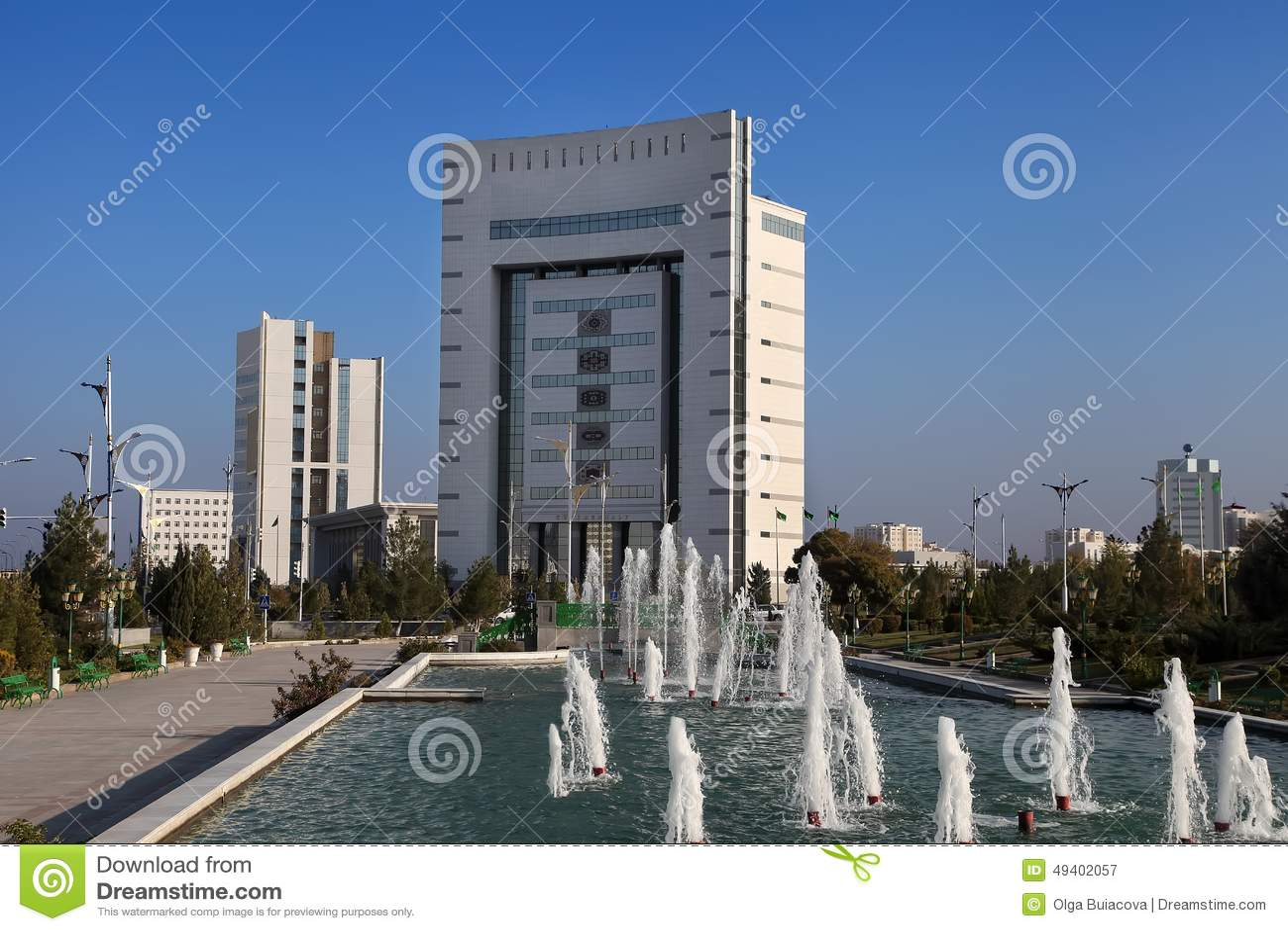 Download Aschgabat, Turkmenistan - 11. Oktober 2014: Ansicht über Das Neue Buil Redaktionelles Stockfotografie - Bild von cityscape, weiß: 49402057