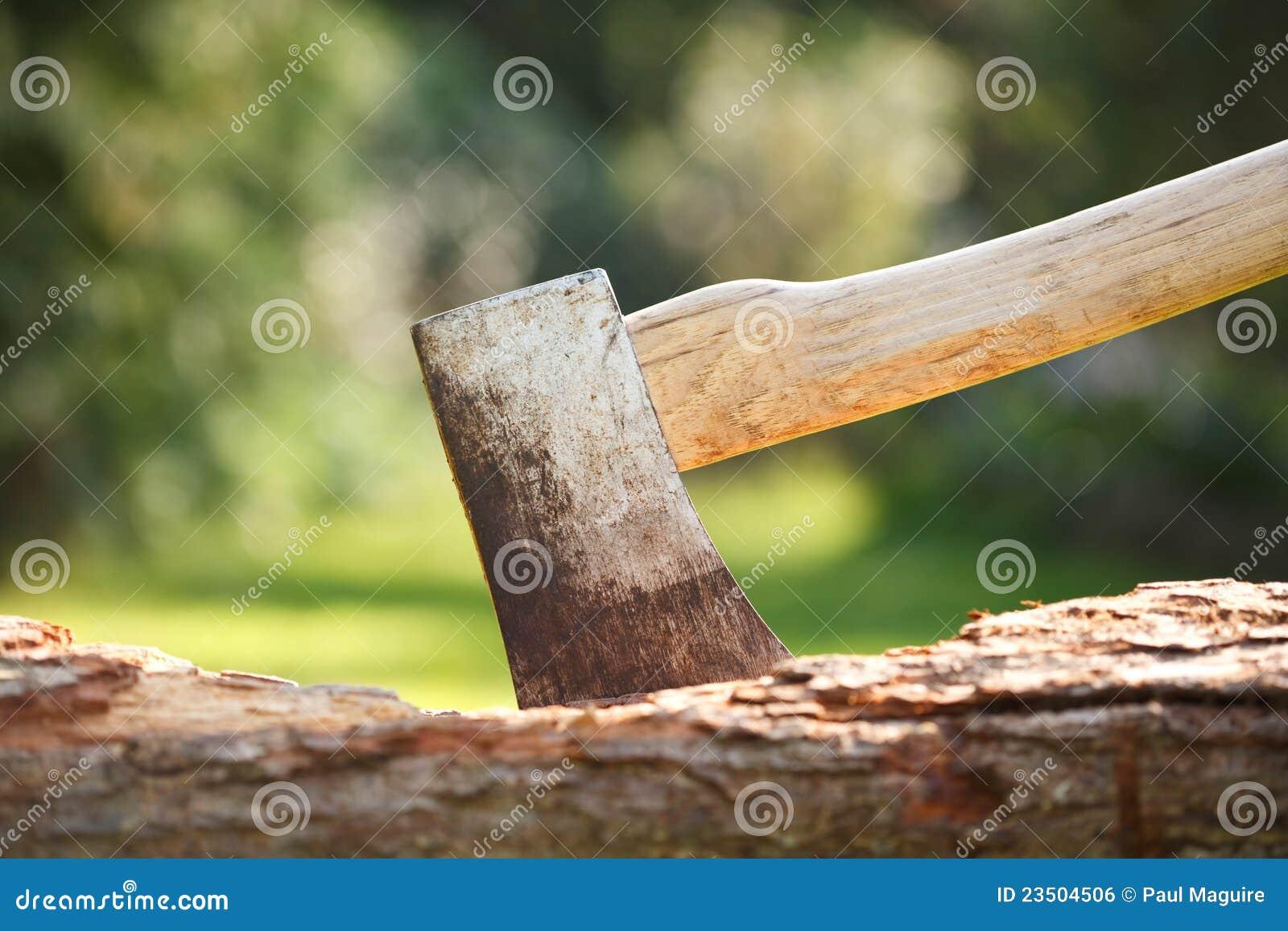 Ascia in legno