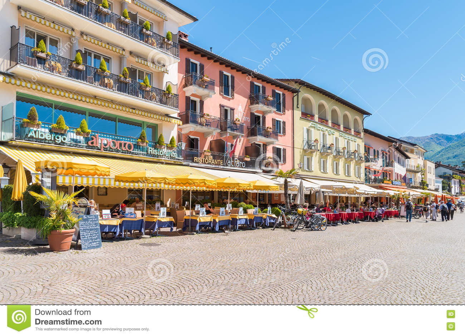 Ascona a placé sur le rivage du lac Maggiore, Tessin, Suisse