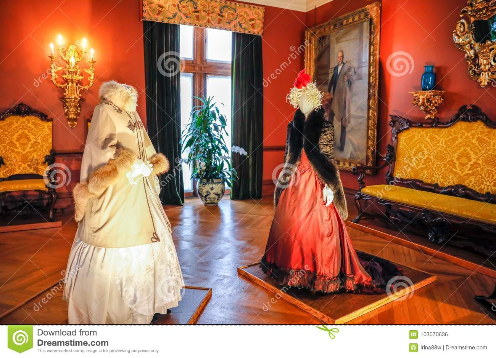Asheville North Carolina March 4 2017 Biltmore S Costume Exhibition Designed For Drama Fashion From The Classics Editorial Photo Image Of Inside Landmark 103070636