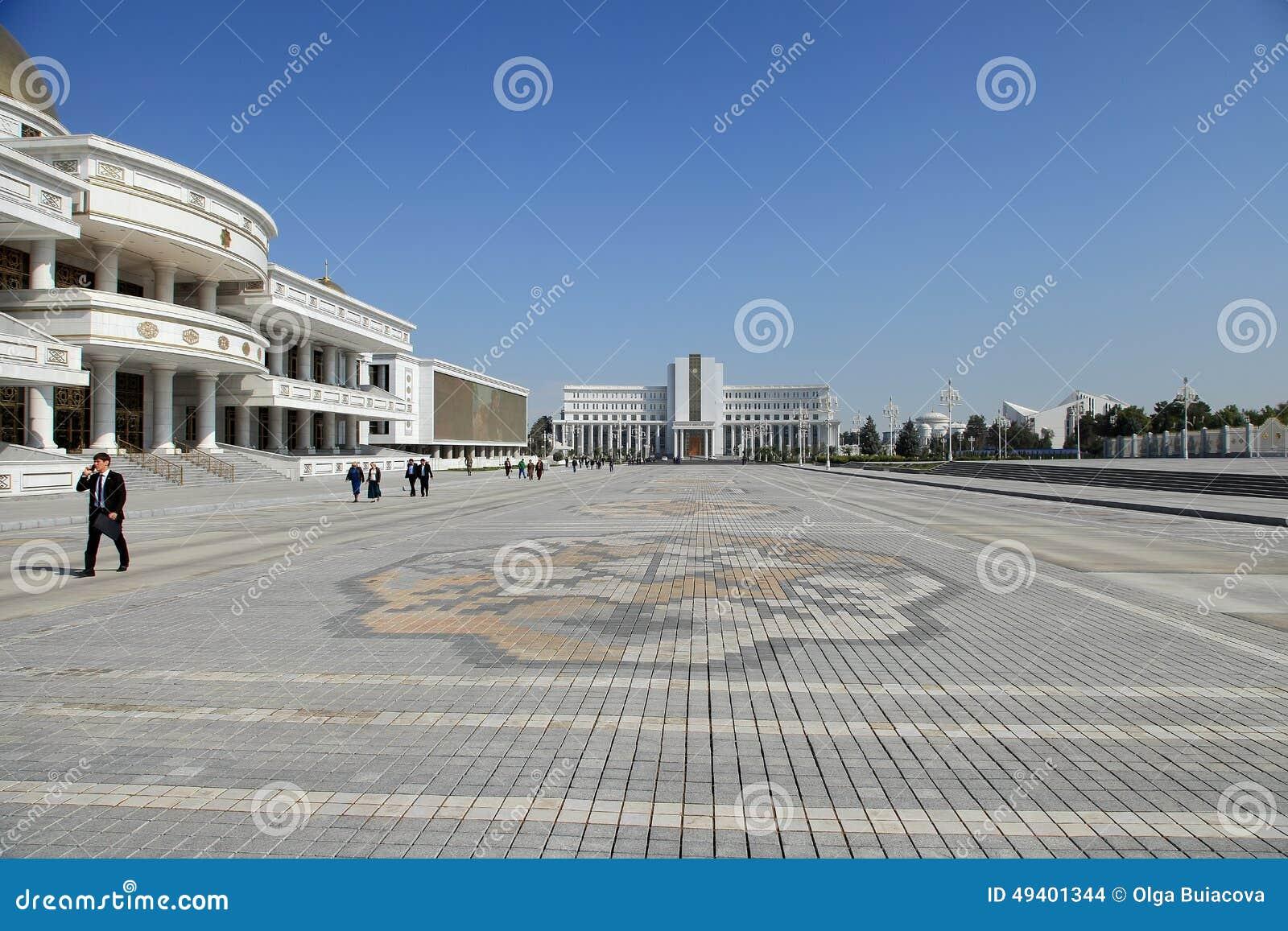 Download Ashgabad, Turkmenistan - Oktober, 10 2014: Zentraler Platz Der Asche Redaktionelles Stockbild - Bild von zentral, haube: 49401344