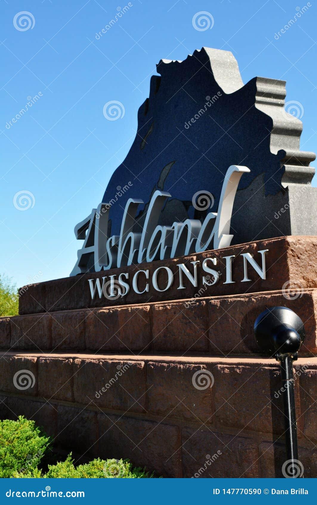 Ashland, Wisconsin-Kleinstadt-Willkommensschild