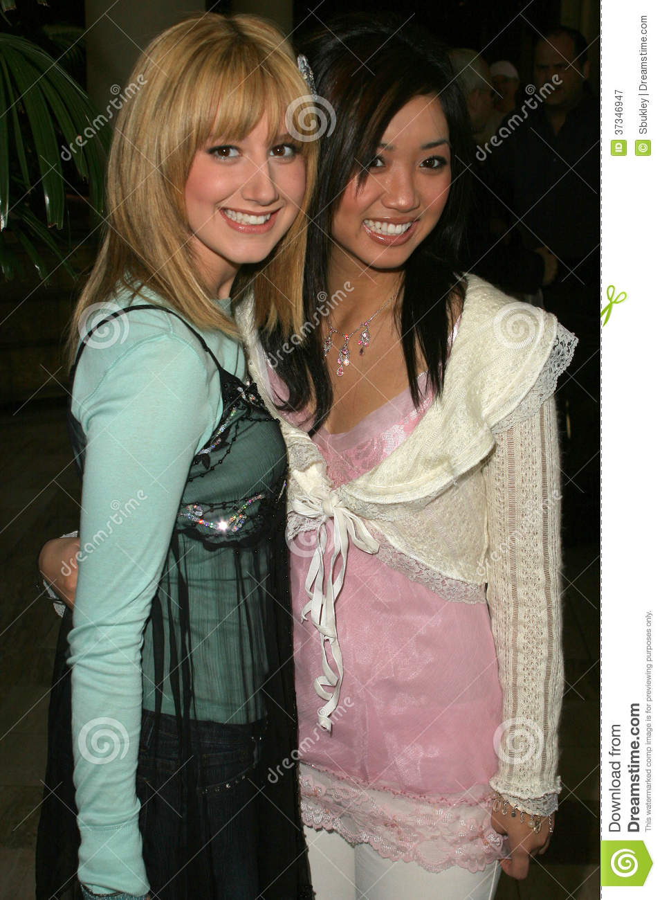 ashley tisdale and brenda song nude