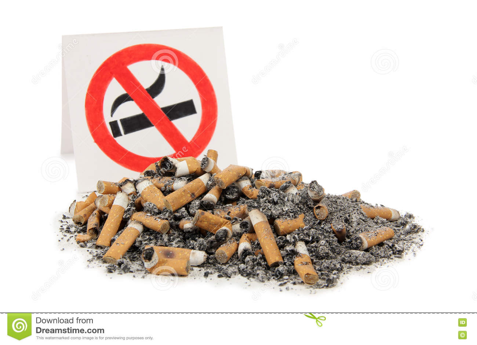 Ashtray καπνός στο λευκό