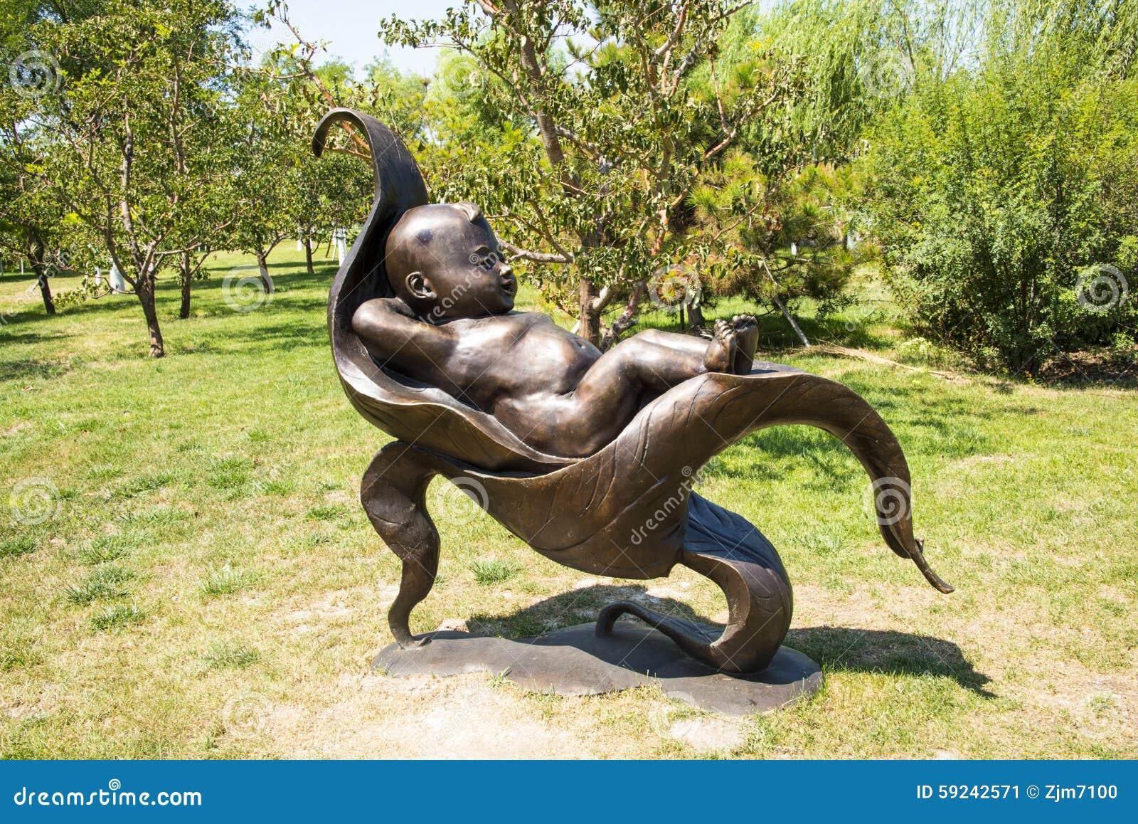 Download Asia China, Wuqing, Tianjin, Expo Verde, Escultura Del Paisaje, Mintiendo En Las Hojas Del Niño Imagen de archivo - Imagen de arte, ocio: 59242571
