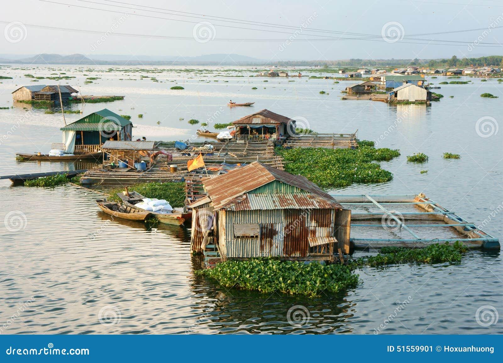 Asian Aquaculture, La Nga River, Floating House Stock ...