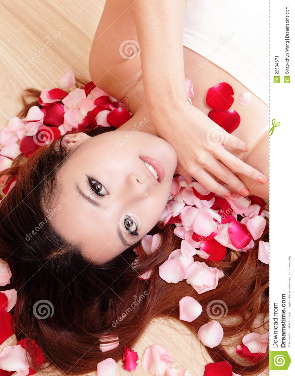 Asian beauty Girl smiling close-up with rose