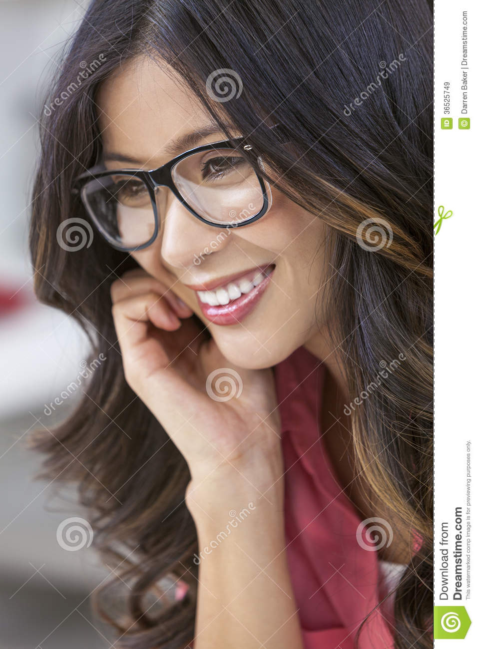 With you girls with geeky glasses agree, the