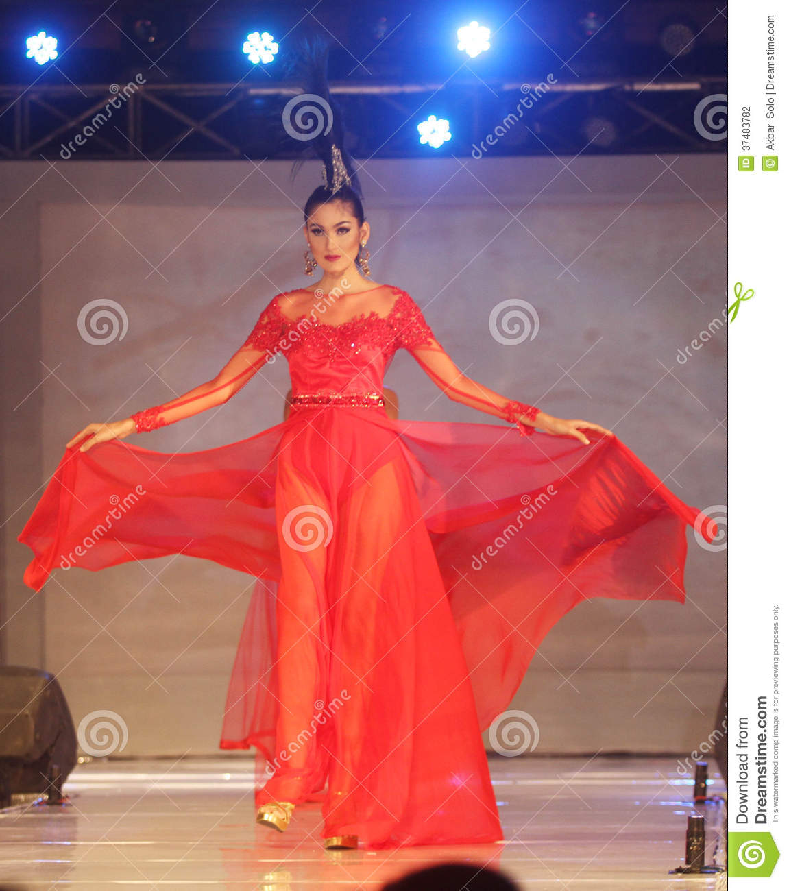 Batik Keris Sukoharjo Solo: Asian Female Model At Fashion Show Editorial Photography