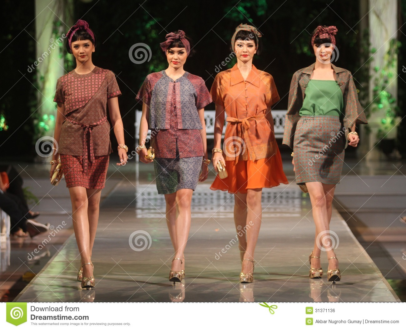 Displaying 19> Images For - Indonesian Women Dress...