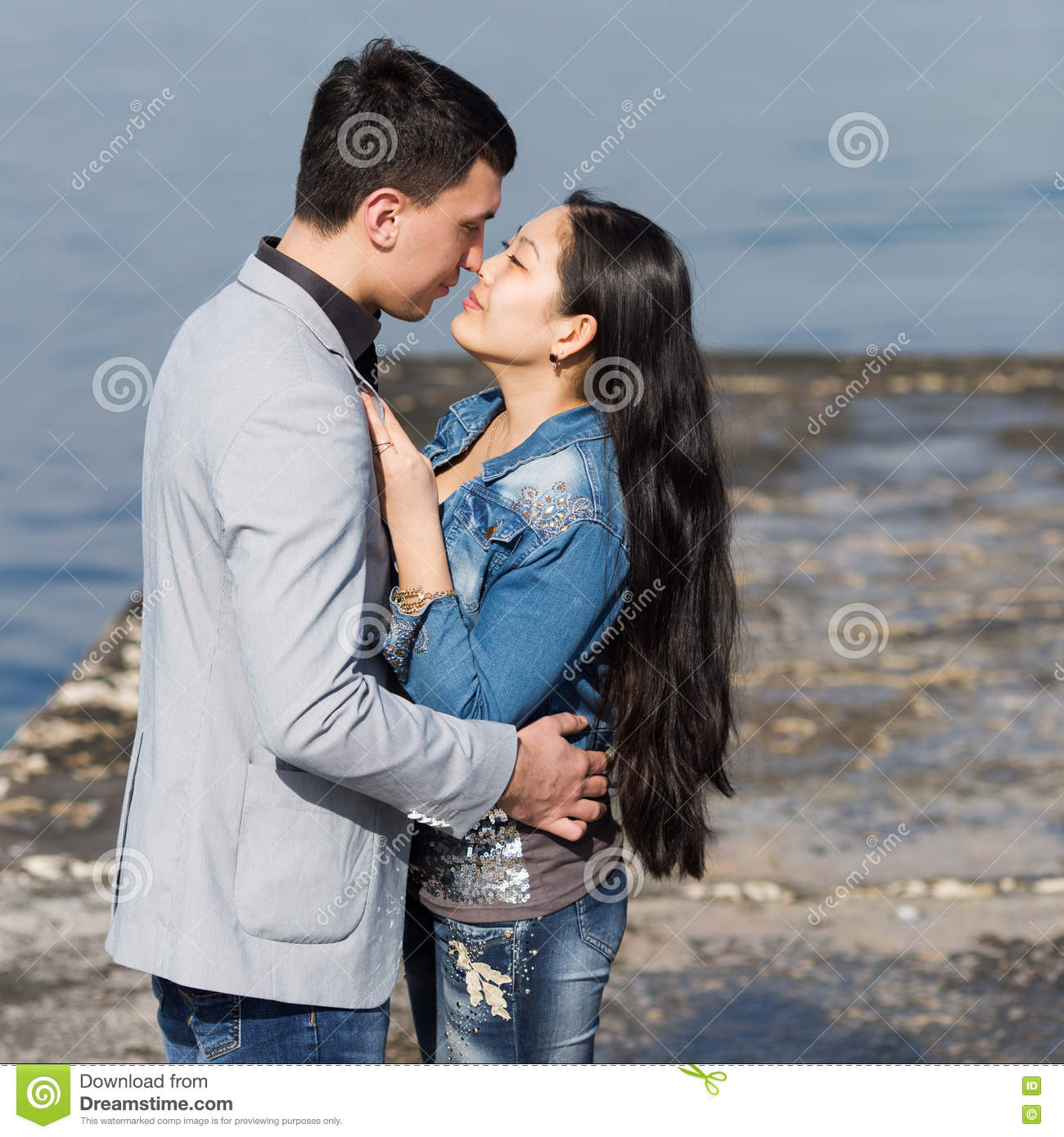 asian dating kisses