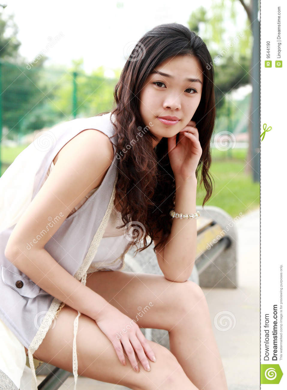 Asian girl iphone-3140