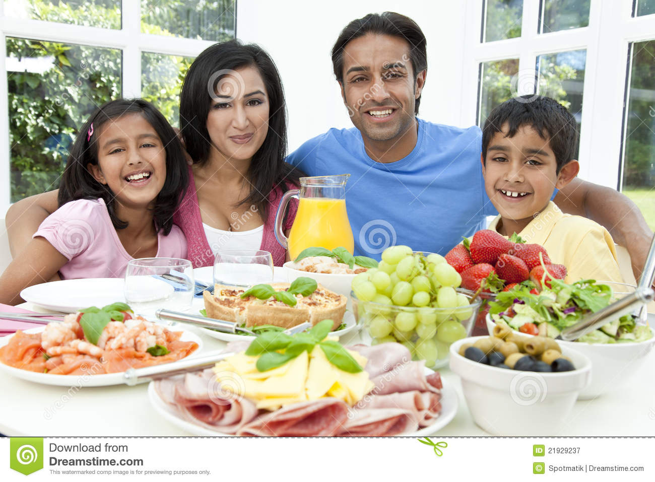 Royalty Free Stock Photography Asian Indian Parents Children Family