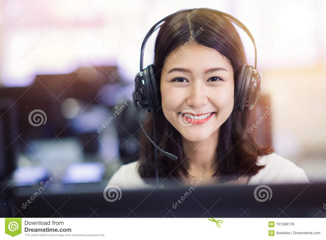 Asian lady student study in computer lab in university library