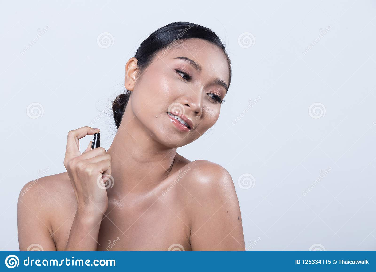 Asian Straighty Sprayed