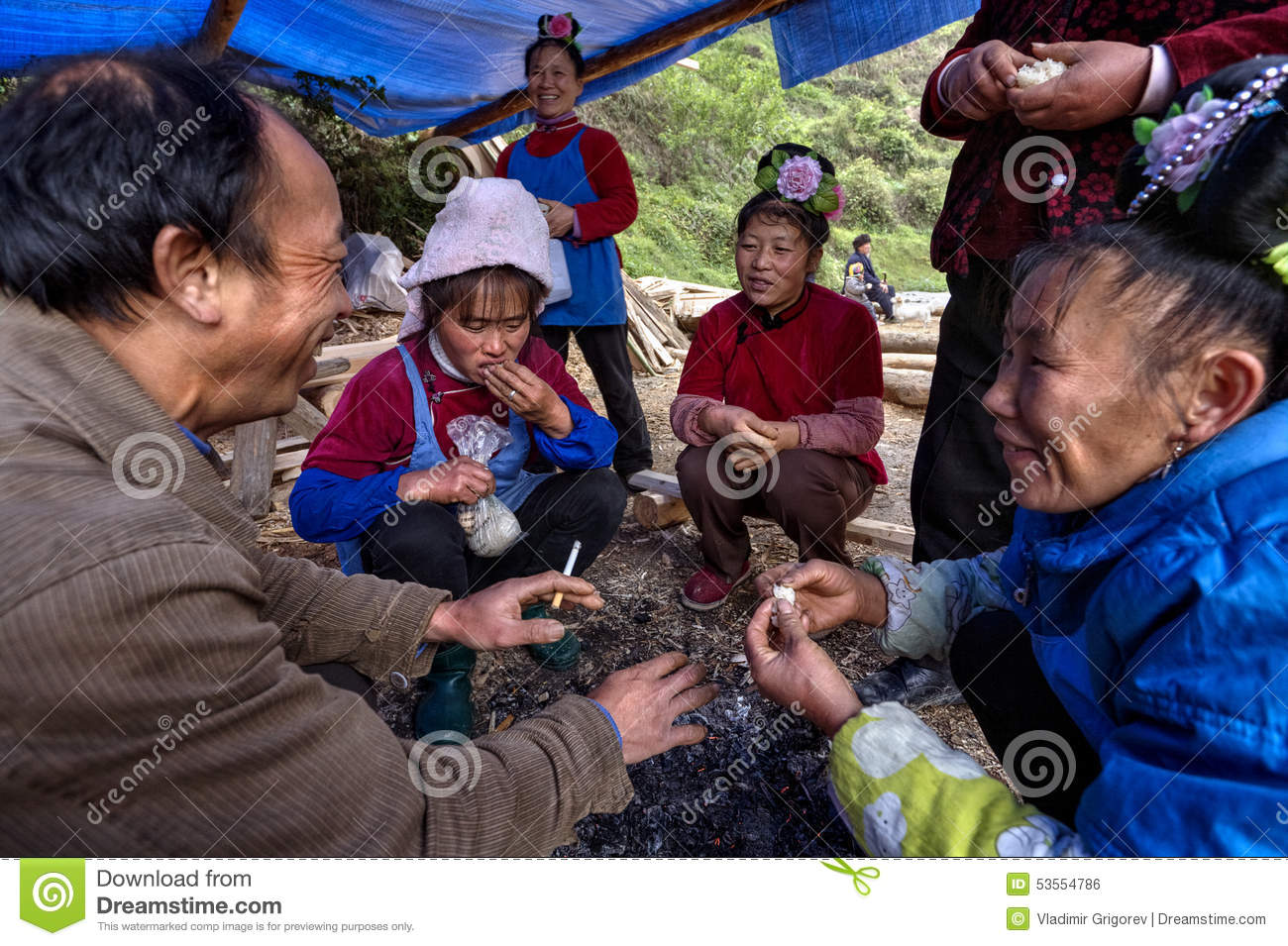 Editorial Photo Asian Peasants Farmers Villagers Sit Around Fire Rural C Langde Village Guizhou China April Chinese Men Women Talking Image53554786 on old time farmhouse plans