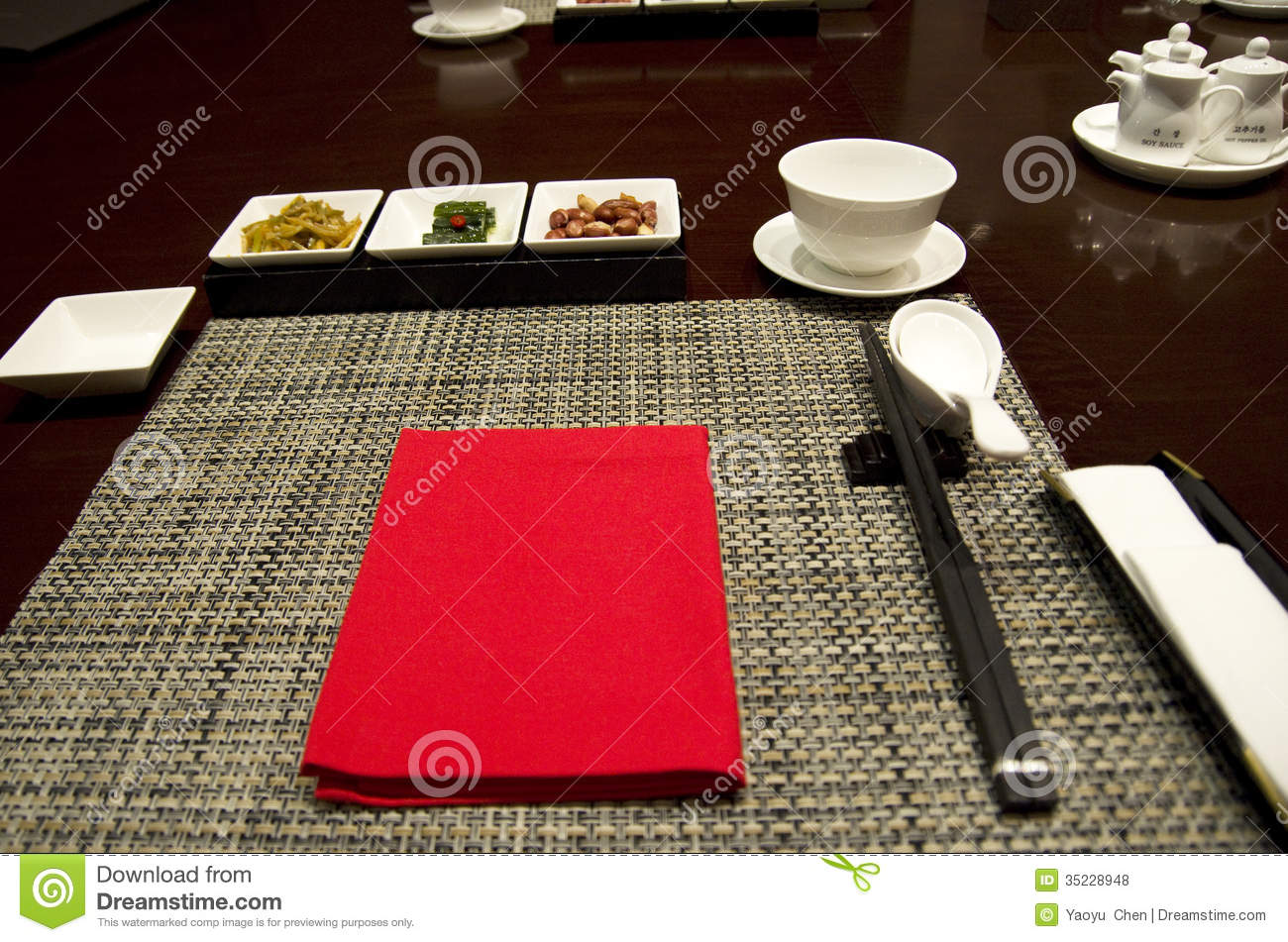 Asian restaurant table setting & Asian Restaurant Table Setting Stock Photo - Image of chopstick ...