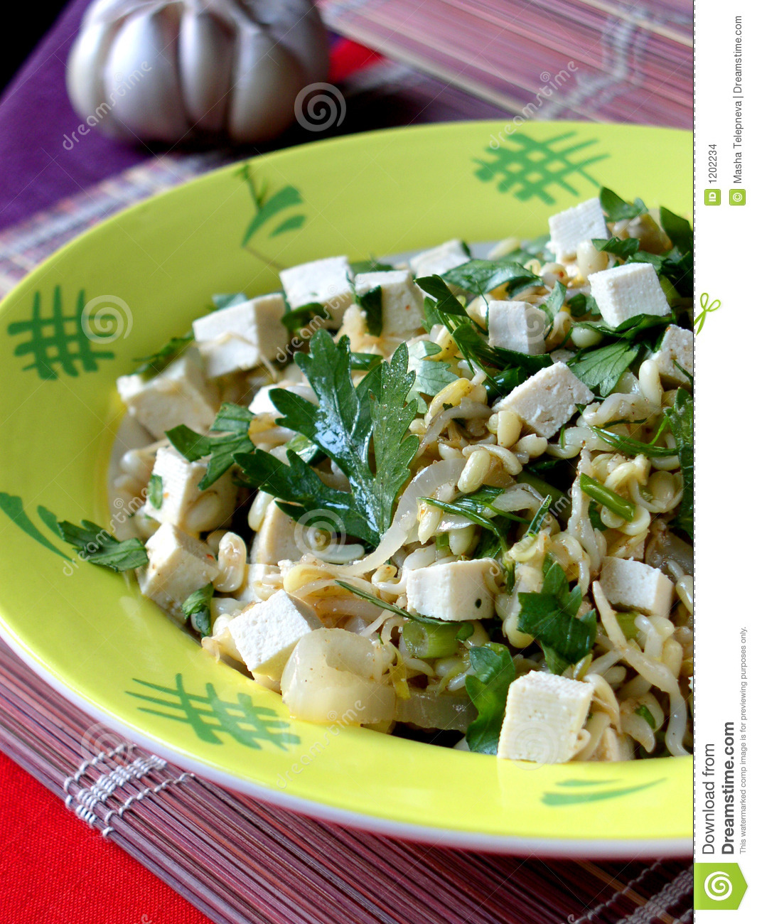 Asian salad with tofu and germinate soya-beans