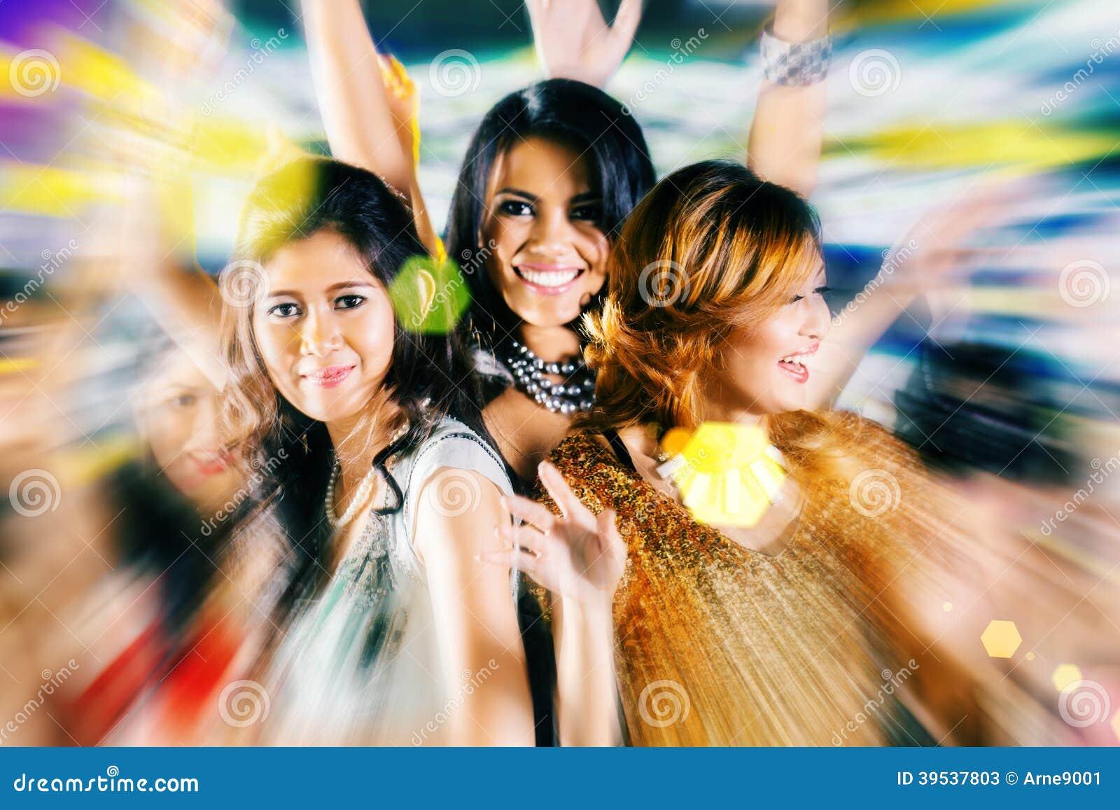 Asian Club Dancing 114