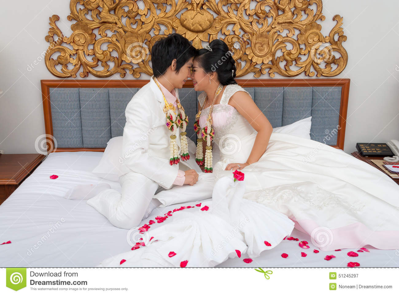 Thai Bride And Groom 8